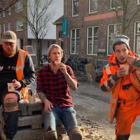 Huisgemaakte erwtensoep voor harde werkers